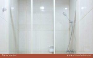 Tips Desain Kamar Mandi Mungil Tampak Luas dengan  Shower Box